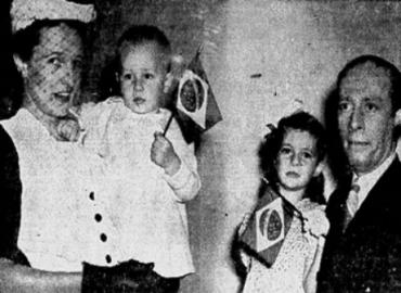 Jean Désy, Canada's minister plenipotentiary to Brazil, with his family on the day they arrived in Rio de Janeiro (1941)